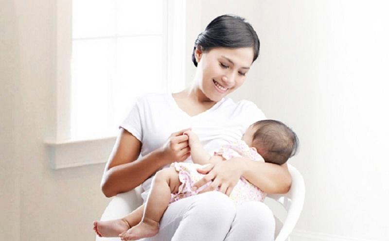 Chế độ dinh dưỡng của mẹ khi đang cho con bú