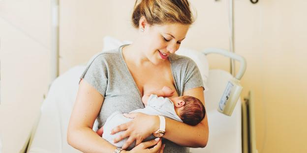 Sữa mẹ giúp cải thiện chức năng tim của trẻ sinh non